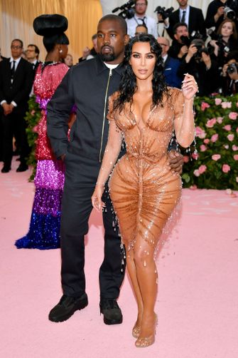 kim kardashian met gala jurk