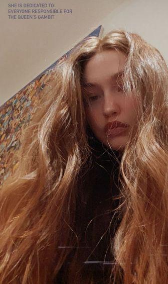 gigi hadid rood haar