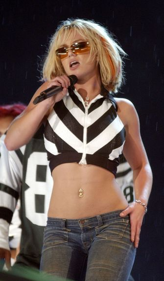 britney spears outfits looks