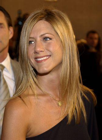 Jennifer Aniston lipstick friends