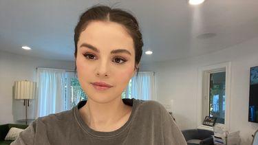Selena Gomez neonkleuren Instagram