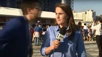 wk reporter wordt betast