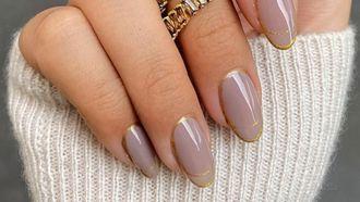 mauve nailart nagels