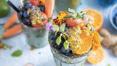 gezond eten en fruit in een glas