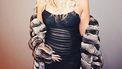 khloe kardashian op instagramfoto houdt buik vast