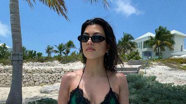 Kourtney Kardashian bikini dua lipa