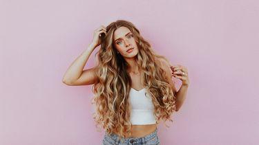 vrouw met blonde haren