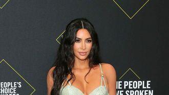 kim kardashian life hack m&m's